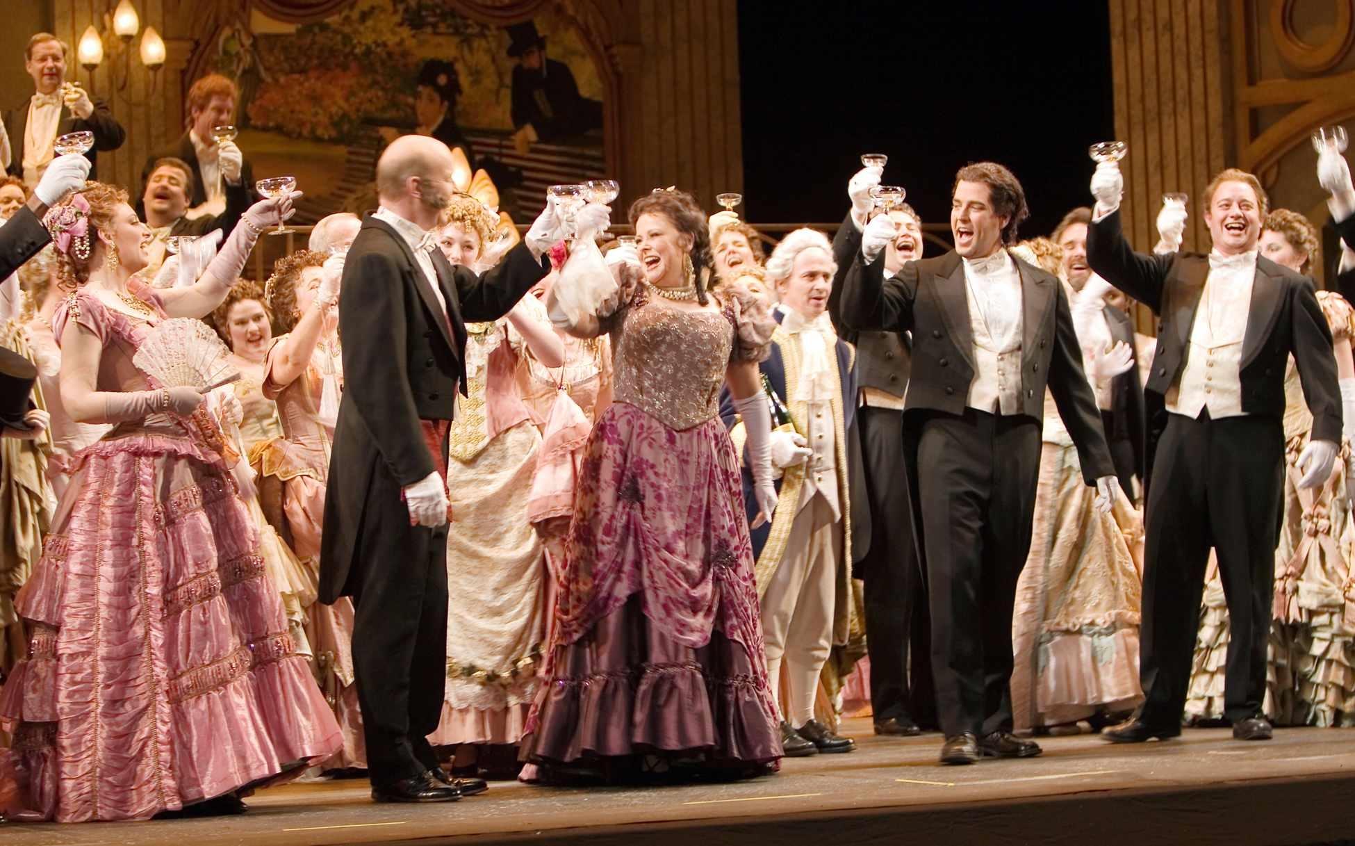 """""""Libiamo ne' lieti calici"""", a célebre ária do brinde em La Traviata, de Verdi"""